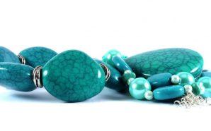 Accessoires, mode et beauté : les bijoux faits main (re)font…